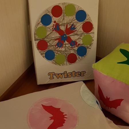 Kotitekoinen Twister -peli